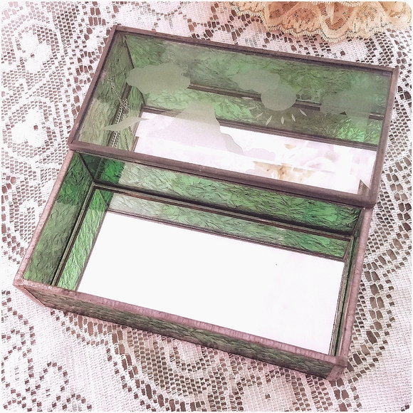 Vtg stained/etched beveled glass mirrored box